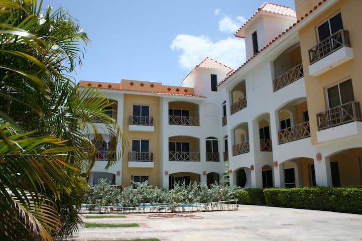 BAYAHIBE DOMINICUS,NICE, COLOURFUL, EQUIPPED -DUME
