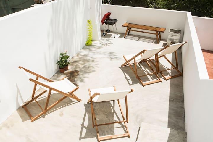 2 Bedroom Apt. with Terrace Graca - Lisboa - Apartment