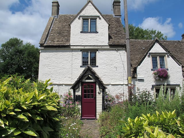 Dickens Cottage, Pickwick, Corsham - Corsham - Rumah
