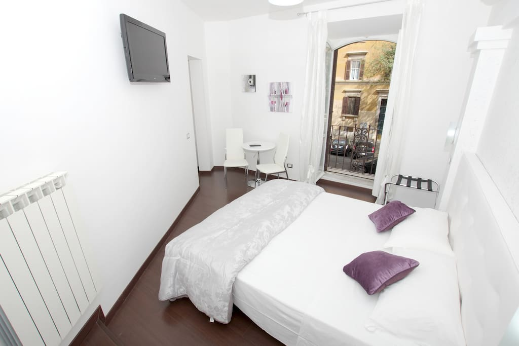 Double room rome b b cheap chic chambres d 39 h tes for Chambre hote design rome