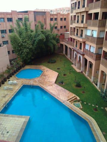 Bel appartement au centre de gueliz (Nassira)