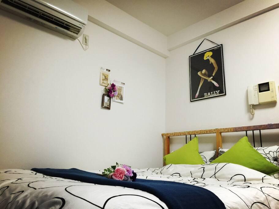 침실(더블침대)臥室(雙人床)Bedroom(double bed)