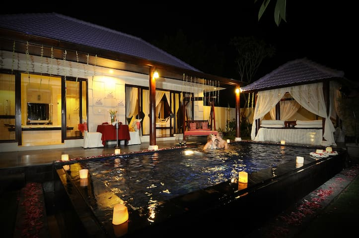 AMAZING PRIVATE POOL VILLA AT KUTA - Denpasar - Villa