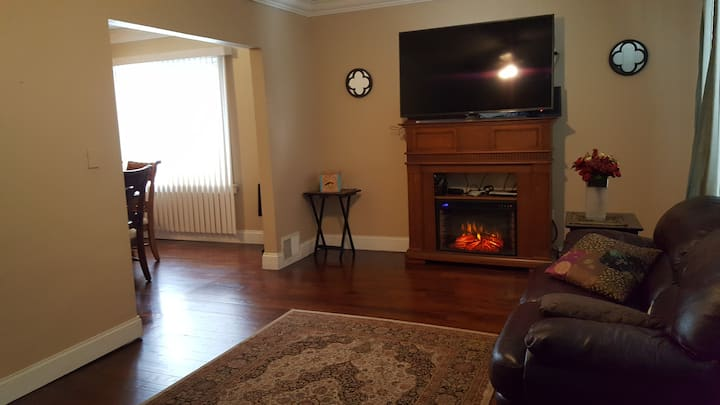 Room for rent in east Dearborn