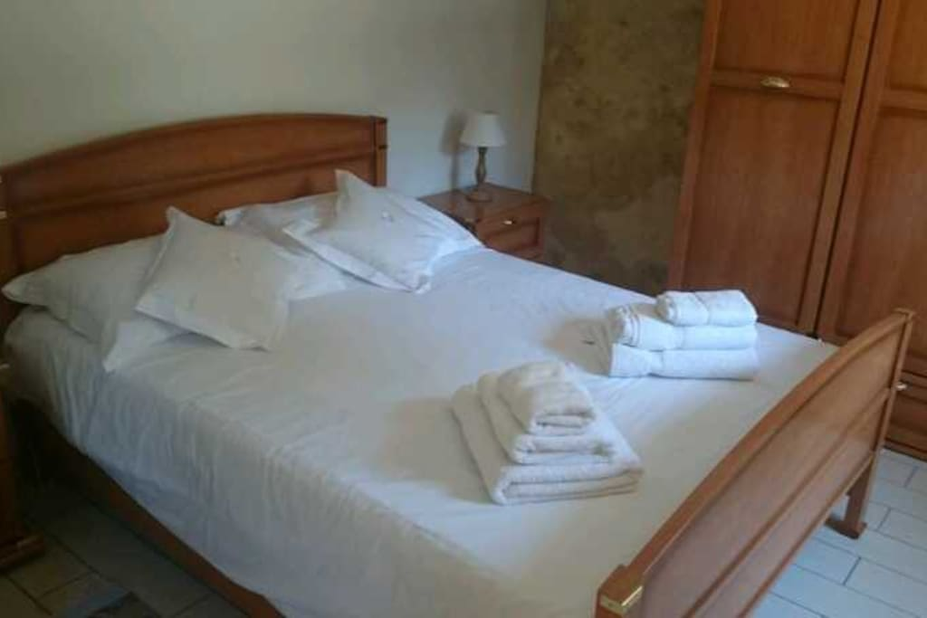 fine linen and towels supplied