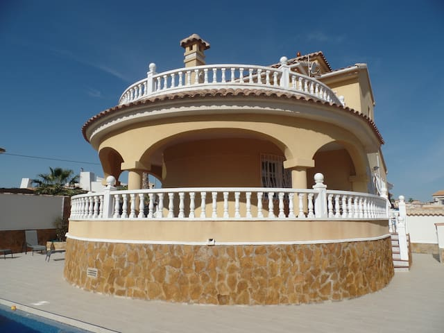 Fabulous Villa with private pool and roof solarium - San Miguel de Salinas