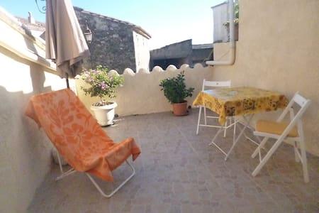 appartement dans petit village - La Bastide-d'Engras