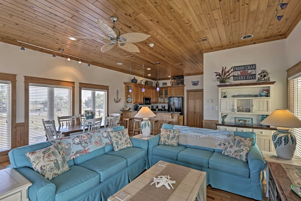Boasting over 2,000 square feet of well-designed living space, the house comfortably sleeps 8 with room for 2 more.
