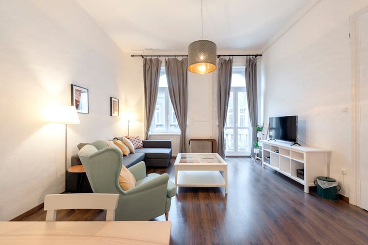Central & Beautifully Renovated + NO CLEANING FEE!