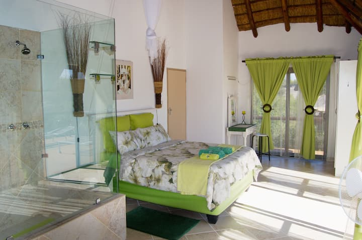 Baobab Green Room - NUDE - SunEden Naturist Resort