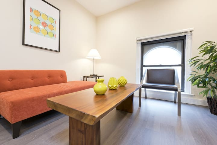 Colorful 1BR in Downtown Crossing by Sonder