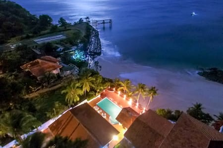 Private Oceanfront Villa With Direct Beach Access - Contadora Island