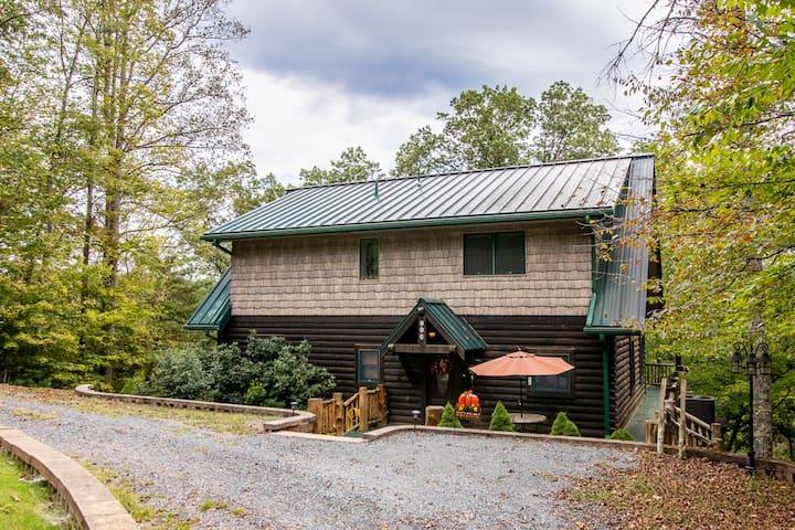 Black Bear Cabin nestled in the woods