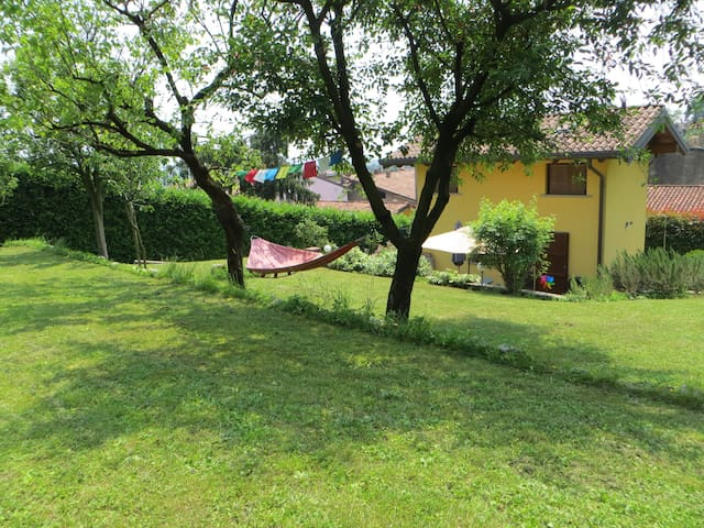 Little Heaven close to Bergamo. - Barzana - House