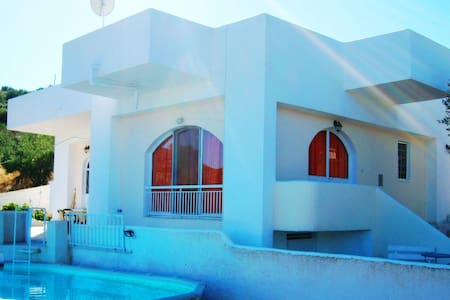 ATHENS SEASIDE, VILLA -PRIVATE POOL - Grammatiko - Casa de campo