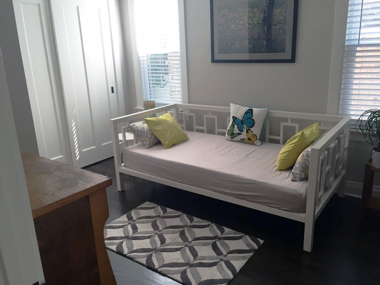 Daybed in private room