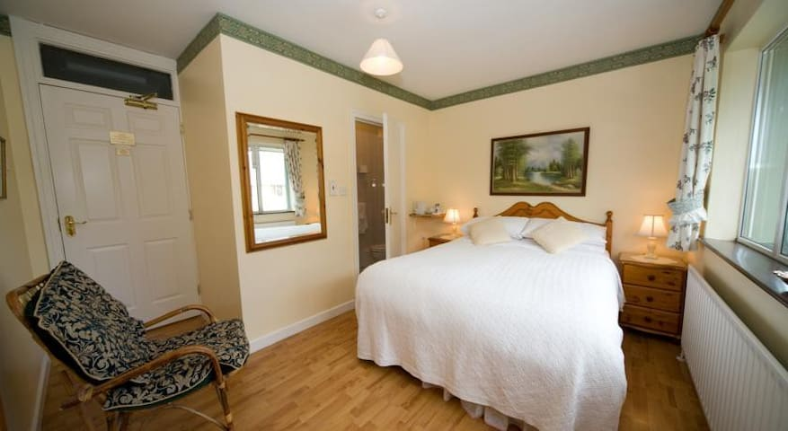 Double Room available in Danabel 3* B&B