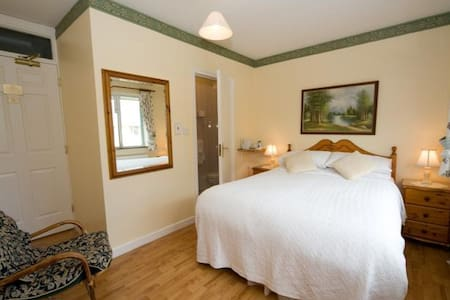 Double Room available in 3* B&B
