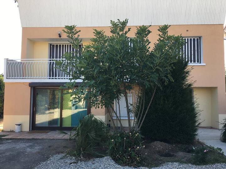 Irigny: Maison calme à 10 minutes de Lyon