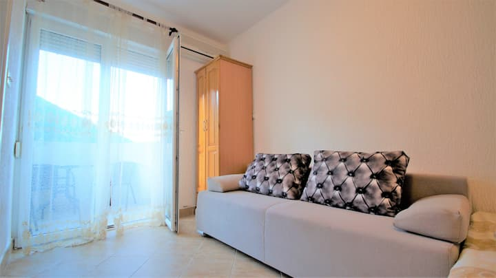 Small studio on the beach - apartments MM No3