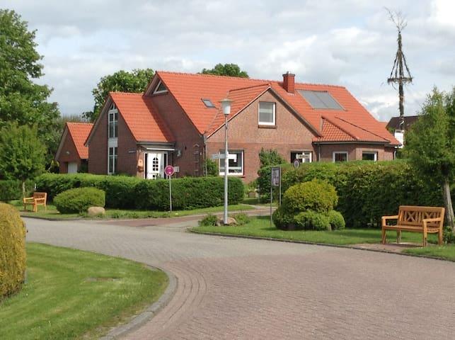 Idylle in Hamswehrum / Nordseeküste