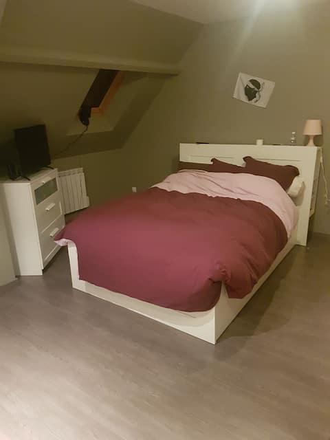 Chambre privée au calme et confortable