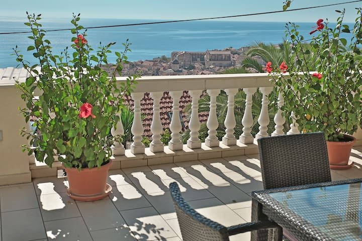 Dubrovnik Old Town & Sea View Apartment No.3