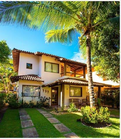 House by the beach/ Casa condomínio na beira-mar