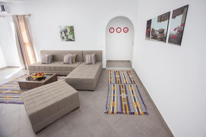 4 beaux appartements meublés et neufs