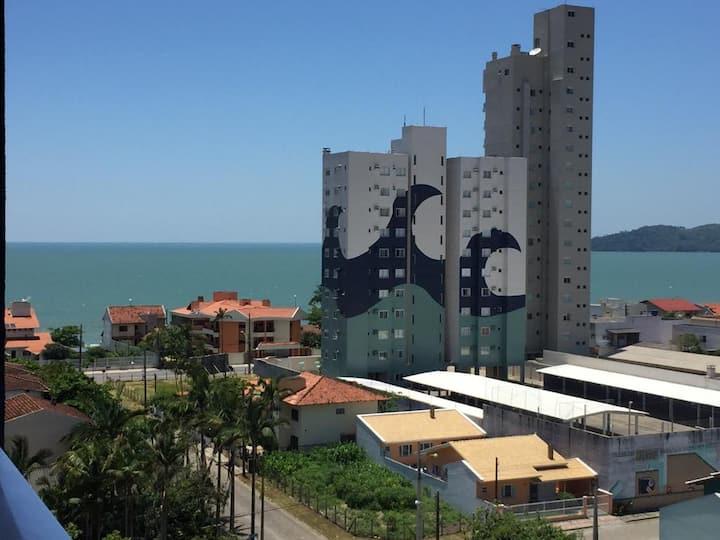 APT Novo Balneário Piçarras Praia, Beto Carreiro