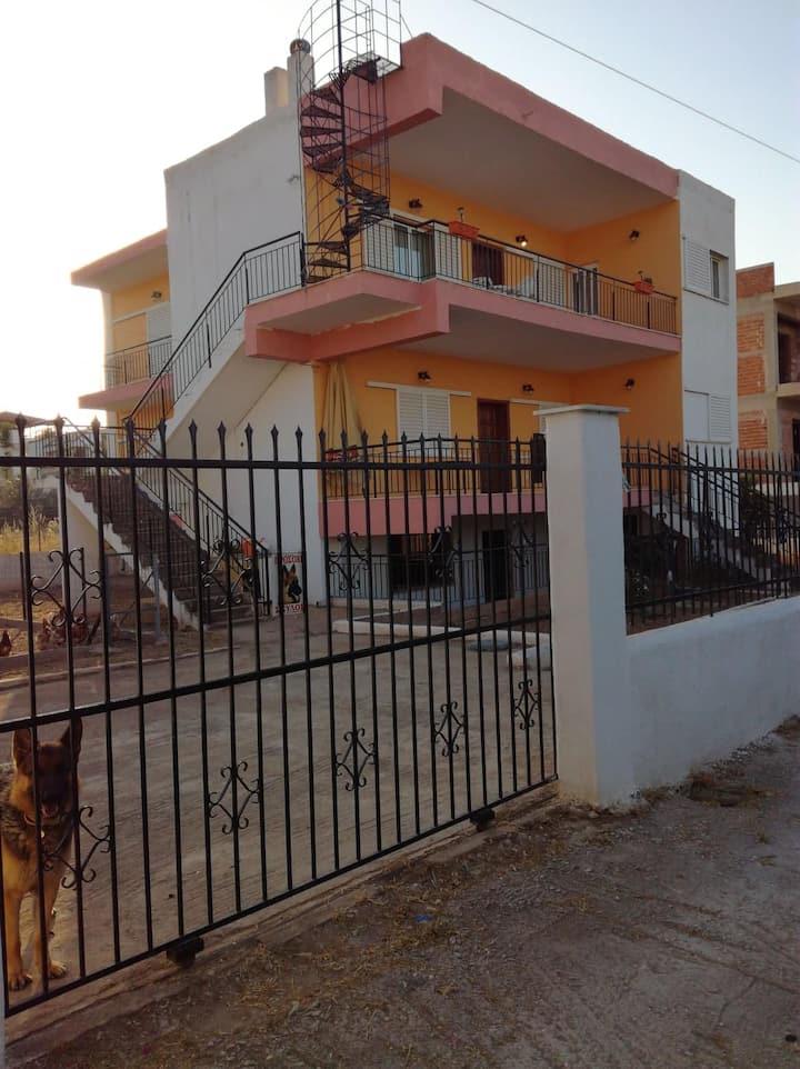 Εξοχική Κατοικία κοντά στη Παραλία
