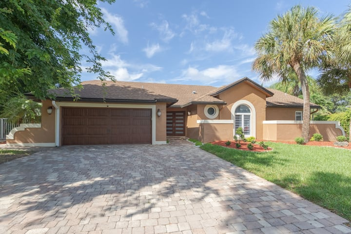 Beautiful Florida modern home
