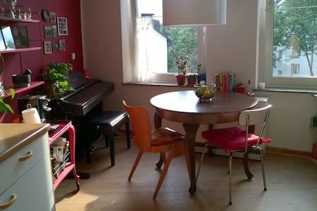 Helle Altbauwohnung in Hamme - Apartamento