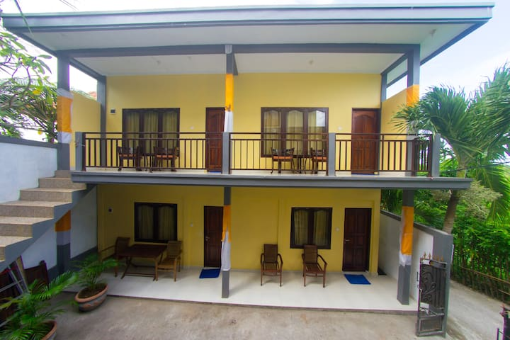 Budget Homestay Best Deal - Walking to Beach
