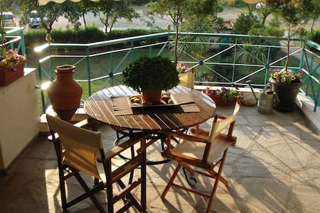 Wonderful Seaside Loft Apartment - Posidi - Apartamento