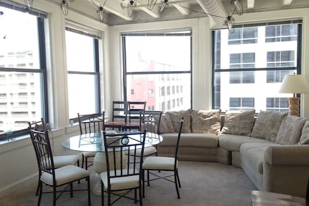 Central Downtown Loft with Views!
