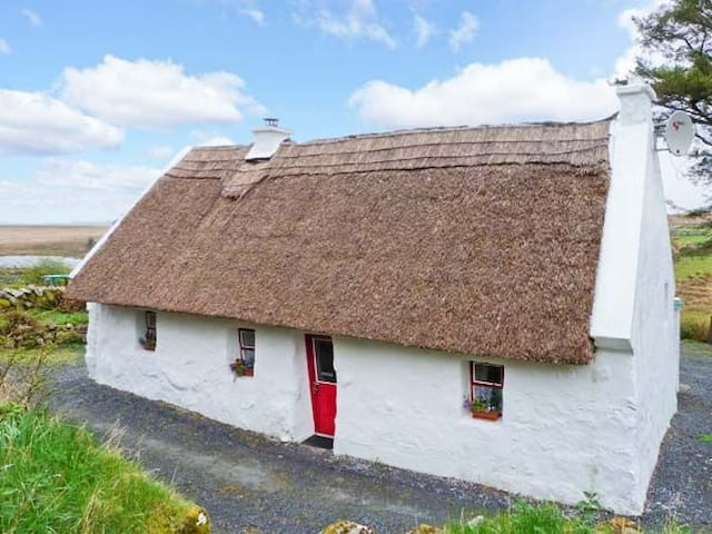 The Thatch Cottage, Spiddal, Connemara, Galway