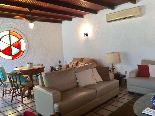 Casa de Praia - 04 Quartos - Iguaba Grande - House