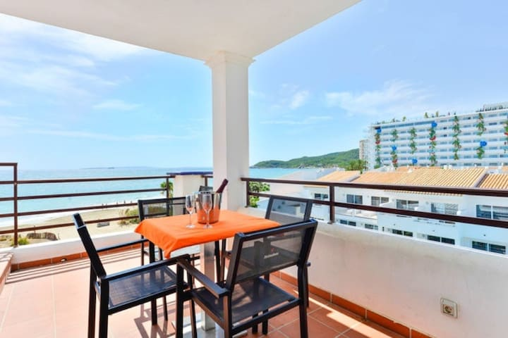 Penthouse in front of Ushuaia Beach Club!!!!