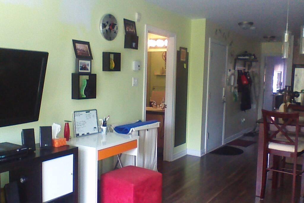 Appartement a 5mns du centre ville apartments for rent for Canape lit montreal