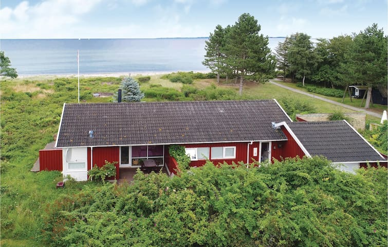 Holiday cottage with 3 bedrooms on 107m² in Odder