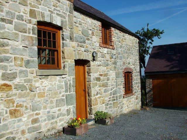TalwrnGlas, Nr Llandegla-N Wales - Mold - House