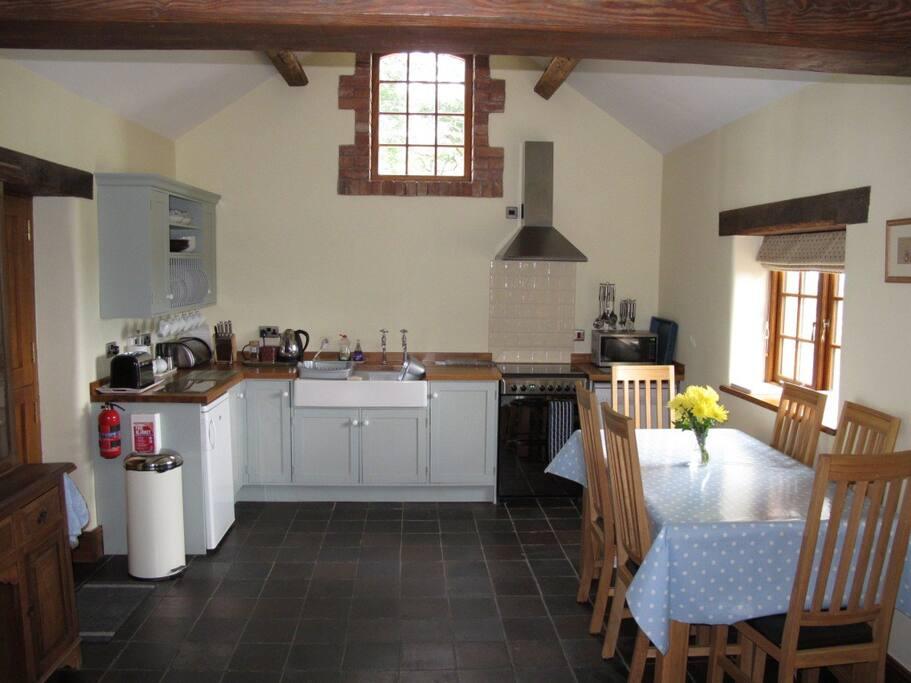 Open kitchen dining
