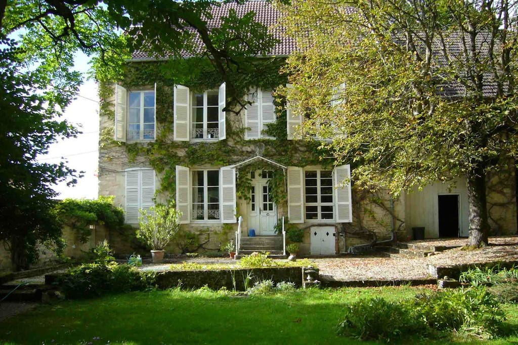 beautiful french country house houses for rent in vaudr mont champagne ardenne france. Black Bedroom Furniture Sets. Home Design Ideas
