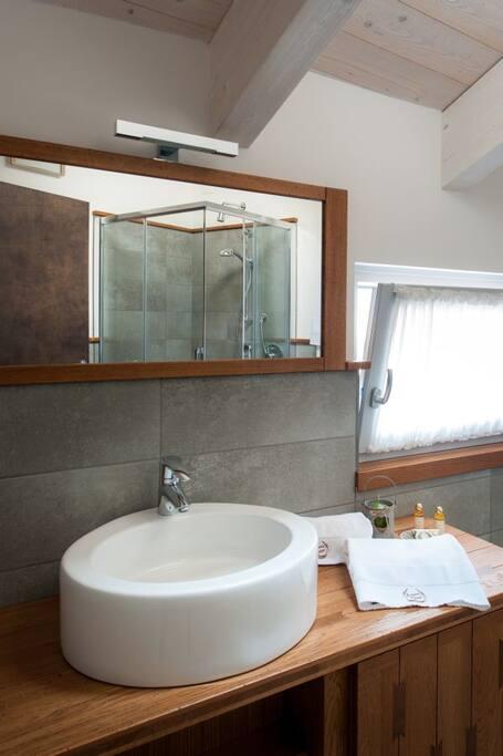 Il bagno della camera Ninfea