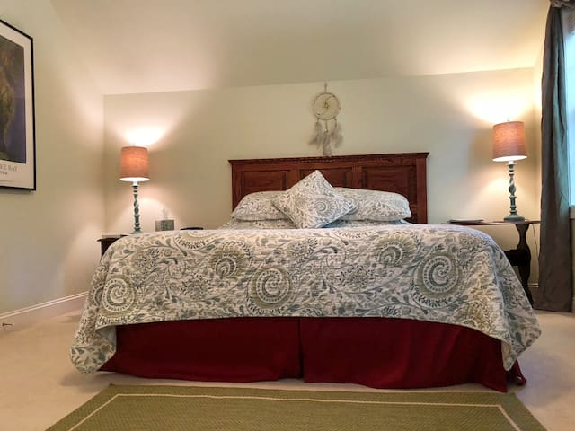 Chesapeake Room: Inn on Bath Creek Bed & Breakfast