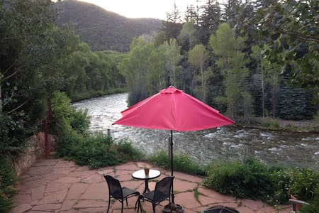 Private Bedroom/Bath on River - Snowmass - 独立屋