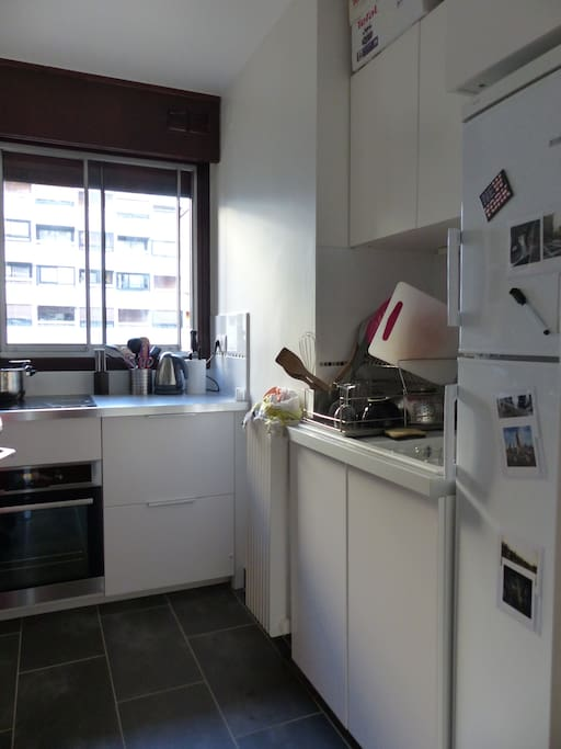 Small but fuctionnal kitchen with oven