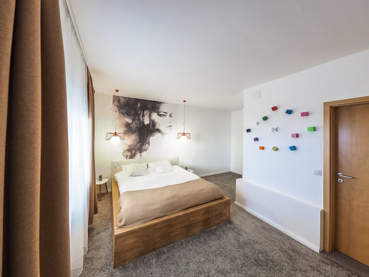 Shard Guest House Room 6