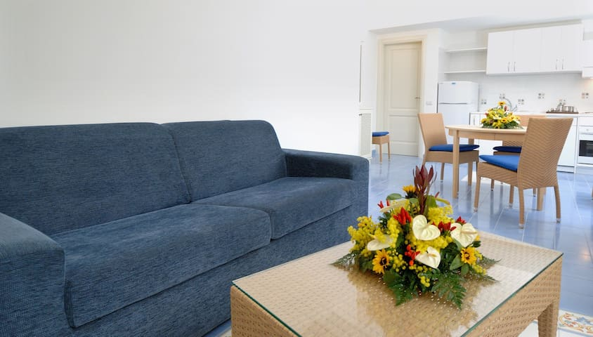 AURORA RESIDENCE - APARTMENT IN AMALFI (3 PAX)